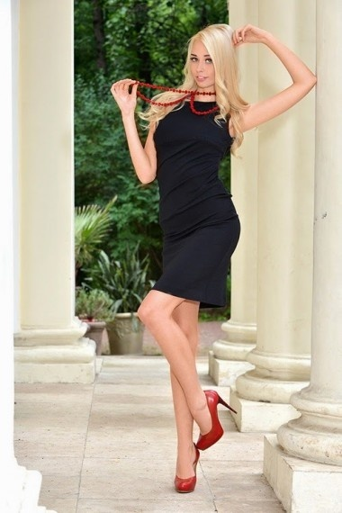 Lucy, Russian escort in Napoli that offers masajes.