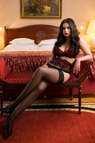 Sara, Russian escort in Napoli that offers besos y caricias.