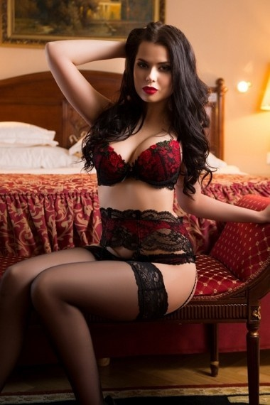 Sara, Russian escort in Napoli that offers sexo oral.