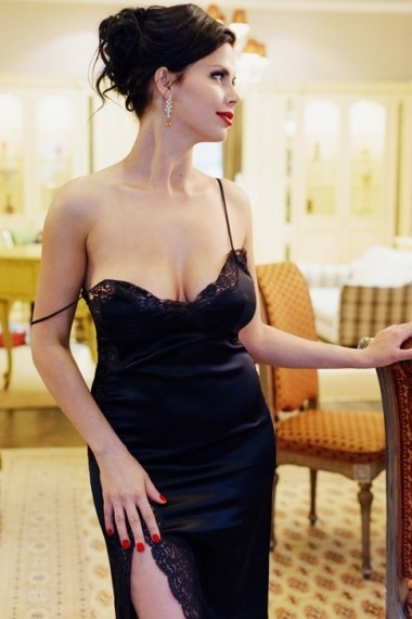 Tamara, Russian escort in Napoli that offers acompañamiento.